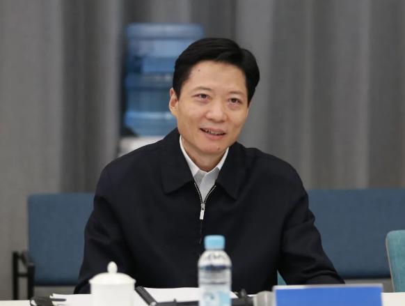 陆方舟调研造车新势力企业和北虹桥商务区建设!